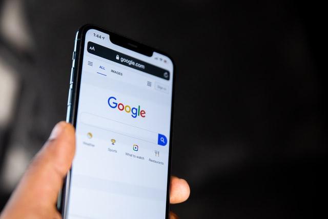 Como achar uma pessoa pela foto no Google? [TUTORIAL 2021]